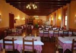 Location vacances Aliaga - Hostal De La Villa-1