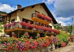 Location vacances Breitenbach-Haut-Rhin - Chambres d'hôtes Les Cigognes-1