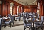 Hôtel Guildford - Barnett Hill Hotel-4