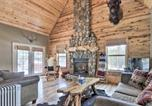 Location vacances Holbrook - Cozy National Forest Escape with Porch and Games!-1