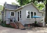 Location vacances Bossier City - Ratcliff Apartment · Cozy Efficiency S. Highlands: Everything you need+-1