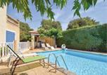 Location vacances Poulx - Three-Bedroom Holiday Home in Collias-3
