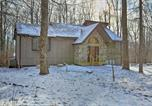Location vacances Clarks Summit - Big Bass Resort Home Deck, Beaches and More!-1