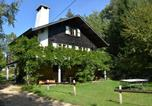 Location vacances  Belgique - Chalet in the countryside, beautiful large garden, absolute calm, total privacy-2