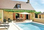 Location vacances Les Farges - Holiday Home Amand de Coly - 08-1