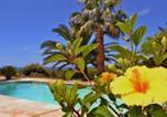 Location vacances Cuges-les-Pins - Gîte Vue Mer-1