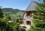 Location vacances Chalinargues - Farmhouse with mountain view-1