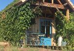 Location vacances Véranne - La roulotte et la cabane de la colline seive-2