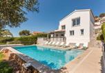 Location vacances Son Bou - Torre Soli Nou Villa Sleeps 10 Pool Air Con Wifi-1