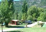 Camping avec Piscine couverte / chauffée Seyne - Camping-Gites Le Prieuré-1