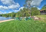 Location vacances Diamond Point - Alderbrook Lodge in Bolton with Private Lake!-2