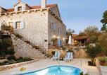 Location vacances Milna - Milna Villa Sleeps 6 Air Con Wifi-1