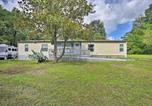 Location vacances Gainesville - House with Deck and Fireplace, Walk to State Park!-3