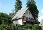 Location vacances Besse-et-Saint-Anastaise - House Agreable chalet à besse au coeur de la nature-1