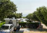 Camping avec Site nature Vaucluse - Camping des Favards-3