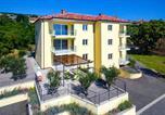 Location vacances Kostrena - Beautiful apartment in Kostrena Sveta Lucij w/ Outdoor swimming pool and 3 Bedrooms-3