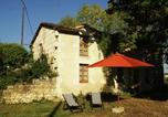 Location vacances  Vienne - Comfortabel Holiday Home with Private Garden in Thure-1