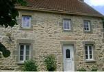 Location vacances Neuf-Eglise - Holiday Home Chez Martha Pionsat-1