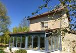 Location vacances  Creuse - House with one bedroom in Charron with wonderful mountain view shared pool enclosed garden-1