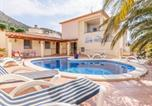 Location vacances  Province de Gérone - Modern Villa in Roses with Private Pool-1