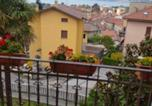 Location vacances  Province de Lecco - Apartment with 4 bedrooms in Dervio with wonderful lake view enclosed garden and Wifi-2