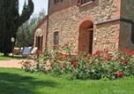 Location vacances Castellina in Chianti - Montaione Apartment Sleeps 8 T242060-3
