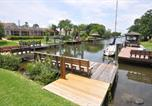 Location vacances Palm Coast - Salt Life Cozy Canal Front Pool Home W boat dock-3