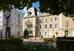 Hôtel Bourbévelle - Un Air de Famille-1