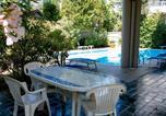 Location vacances  Province de Rimini - Appartamento a pochi passi dal mare con piscina-2