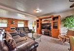 Location vacances Logan - Richmond Cabin-8 Acres with Creek, Fire Pit and Archery-4