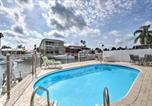 Location vacances New Port Richey - Waterfront Hudson House with Private Pool-2