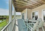 Location vacances Ocean Isle Beach - All-Suite Islander Resort Condo - Walk to Beach! condo-4