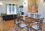 Location vacances Le Change - Three-Bedroom Holiday Home in Savignac Les Eglises-2