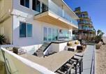 Hôtel Oceanside - Ocean Villas Beach Front-4