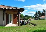 Camping avec Piscine couverte / chauffée Murat-le-Quaire - Residence Fournols d'Auvergne-1