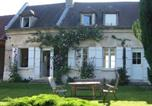 Location vacances Chelles - Modern Mansion in Machemont with Private Garden-1