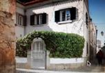 Location vacances Lisbonne - 3 Bedroom Town House - Historic Centre of Cascais. 100 mts from the beach and centre of Cascais-1