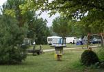 Camping avec Piscine Saint-Thomas-de-Conac - Camping Le Pas Des Biches-3