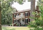 Location vacances Crossville - Boyd Harvey Main House & Carriage House-1