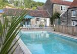Location vacances Winford - Poolside Cottage-2