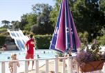 Camping avec Piscine Saint-Michel-Chef-Chef - Les Pierres Couchees-2