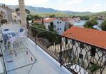 Location vacances Split-Dalmatia - 2 Bedroom Ap., Sea View & Sandy Beach!-1
