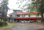 Hôtel Malang - Oyo 90188 Rotterdam Kediri Guest House-4