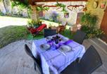 Location vacances Monte Santa Maria Tiberina - Rustic Cottage in Umbria with open terrace and garden with seating-2