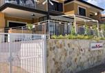 Location vacances  Province de Vibo-Valentia - Residenza De Luca Apartment-1