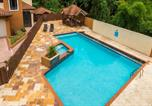 Location vacances Kingston - Luxury Apartment   1600 Sq. Ft.   Gated Complex-1