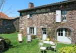 Location vacances Auvergne - Holiday Home Le Créchou - Aou100-1