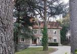 Location vacances Bourg-Argental - La villa des prés chambre Cèdre-1