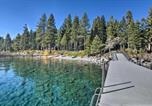Location vacances Carnelian Bay - Rustic Tahoe Home w/Hot Tub Near Squaw Valley-3