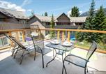 Location vacances Pemberton - 1 Bedroom Modern Townhome with Residential Hot Tub & Pool-1